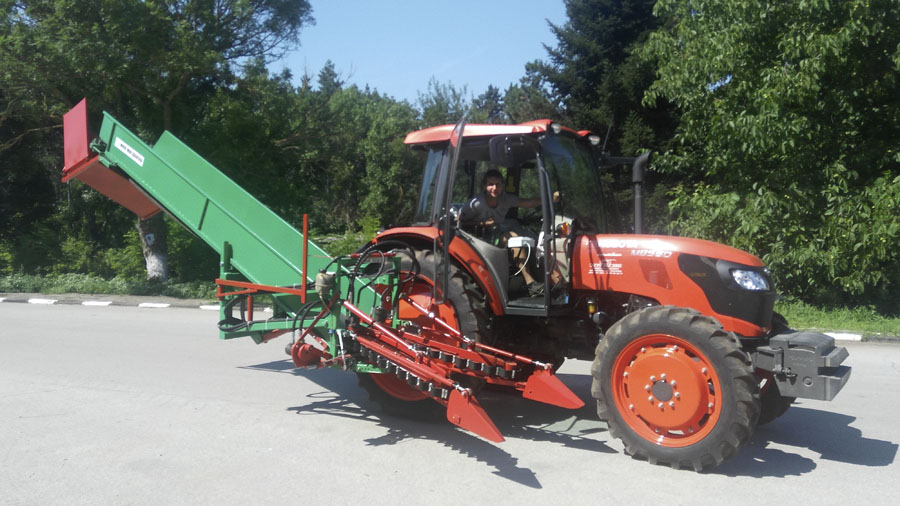 harvesting-lavender-machine